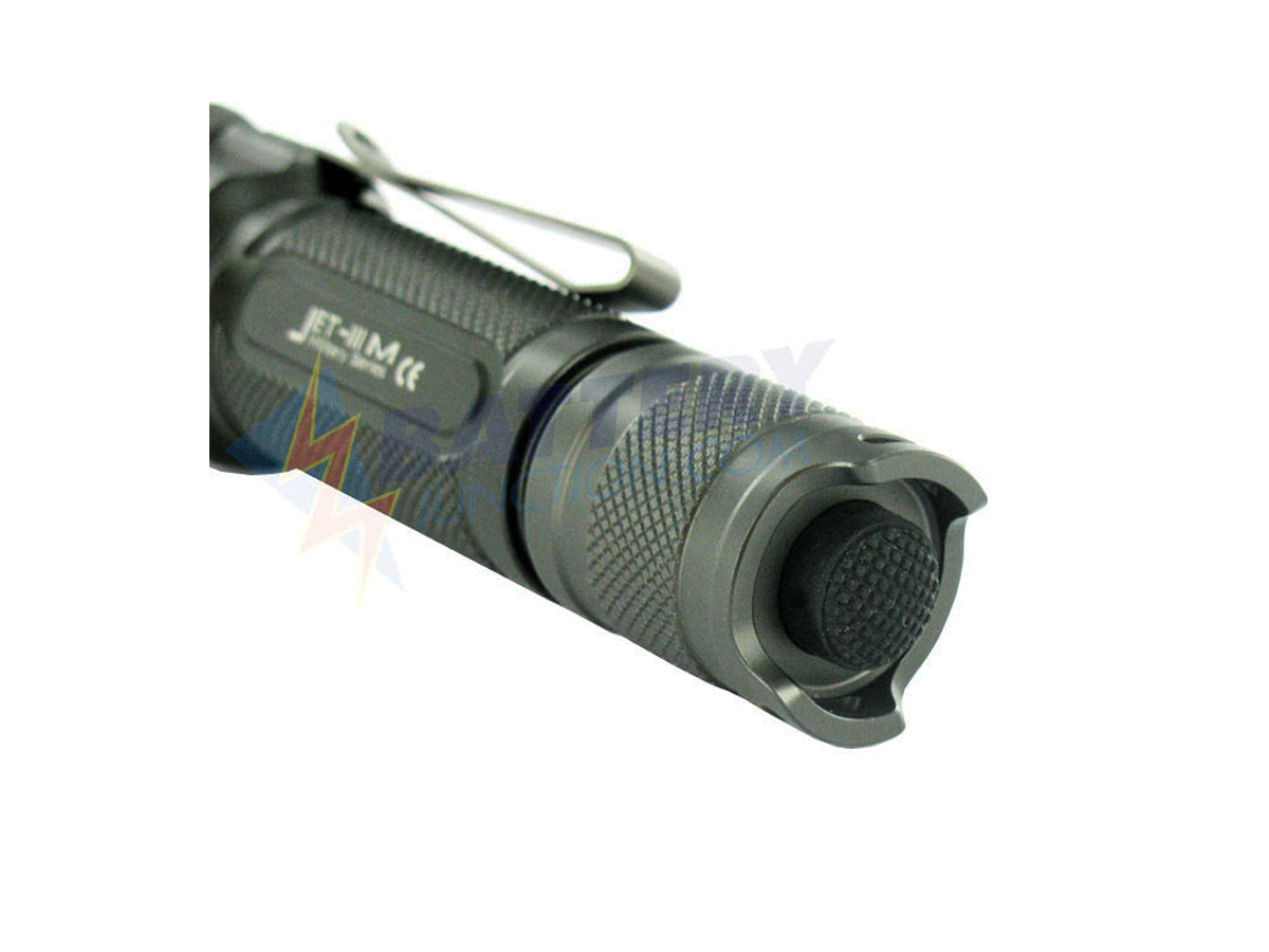 Jetbeam 3M Flashlight - CREE XM-L2 LED - 560 Lumens - Uses 2 x CR123A, 2 x RCR123A or 1 x 18650