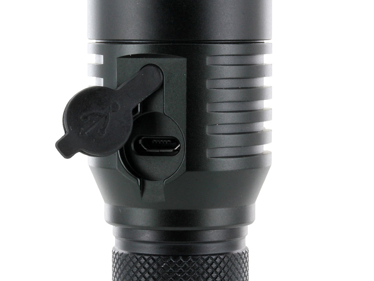 JETBeam C8 USB Rechargeable Everyday Carry Flashlight - CREE XM-L2 LED - 1000 Lumens - Uses 2 x CR123As or 1 x 18650 (Included)
