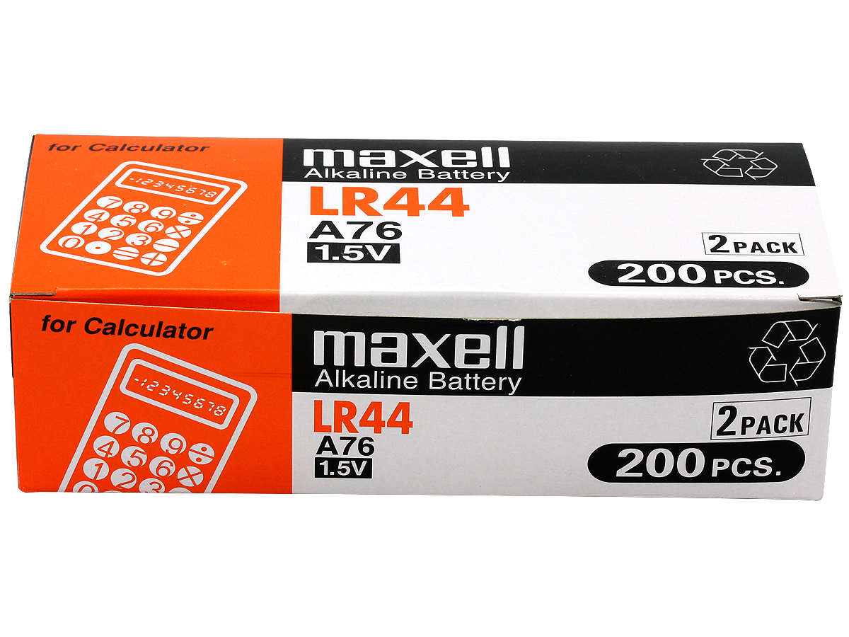 Closed Box of 200 Maxell LR44