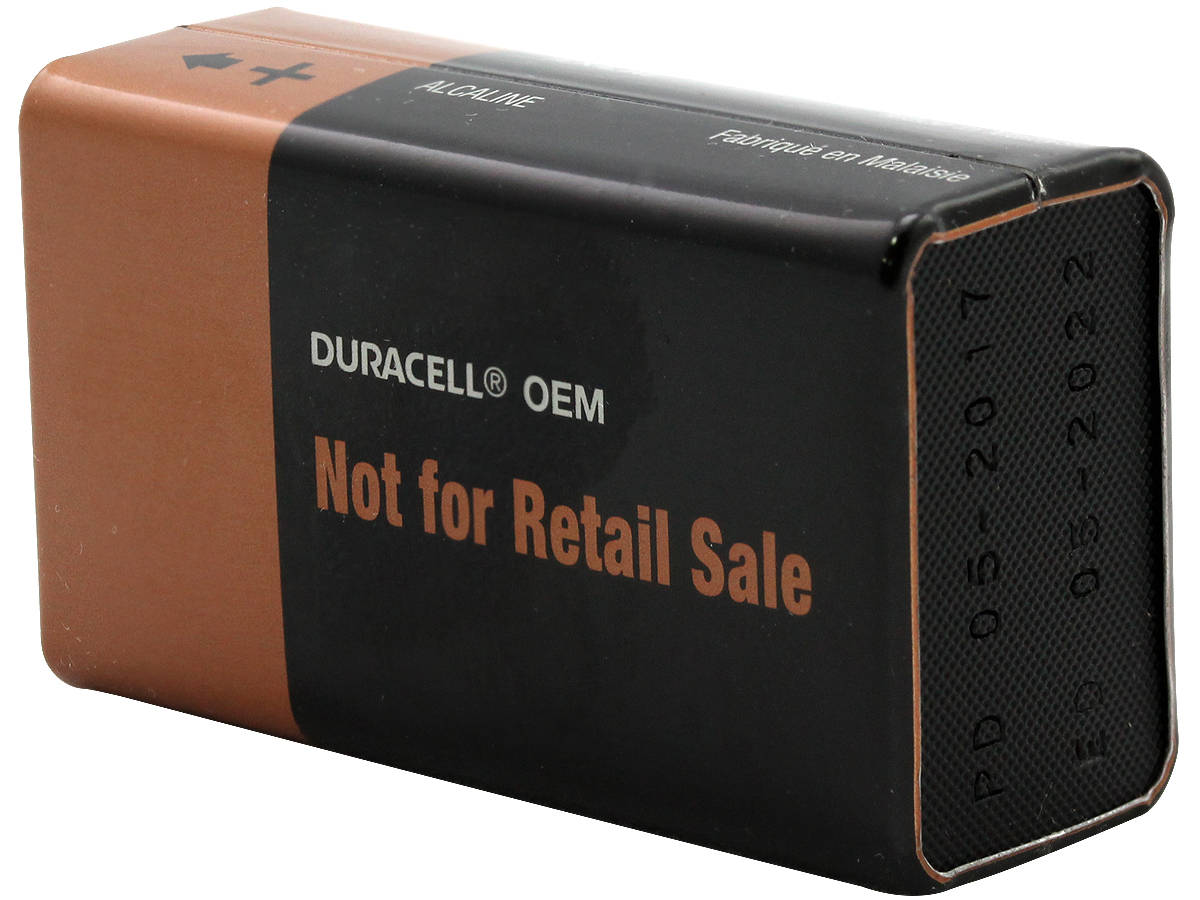 Open Case of Duracell MN1604 9V Alkaline Batteries
