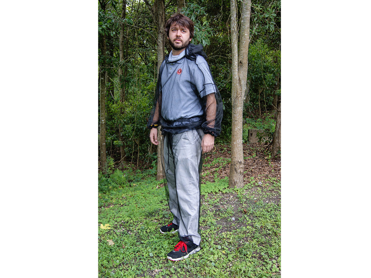 Ultimate Survival Technologies No-See-Um Suit - Nylon Bug-Repellant Trousers and Pullover Top - S/M  or L/XL